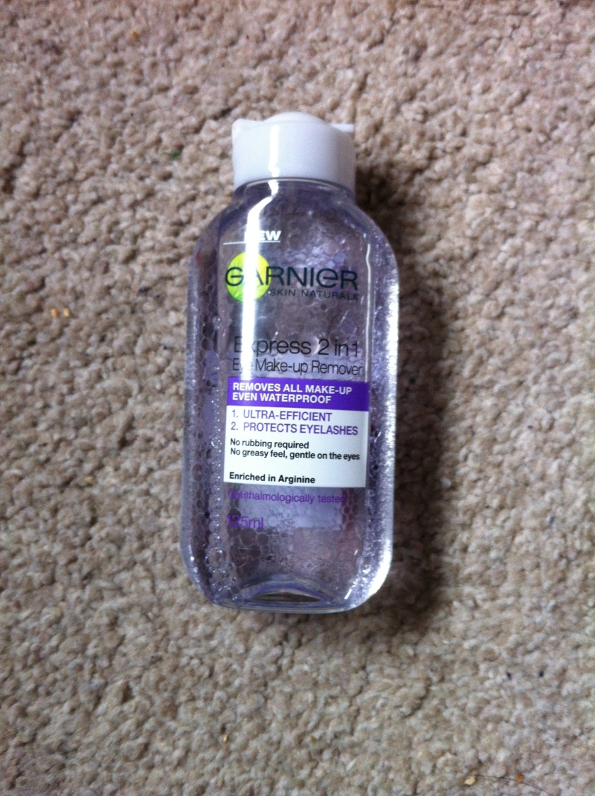 Garnier Express 2-in-1 Eye Make Up Remover